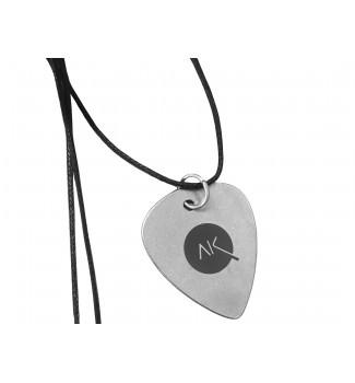 Naszyjnik kostka gitarowa  logo  Adam Kubera